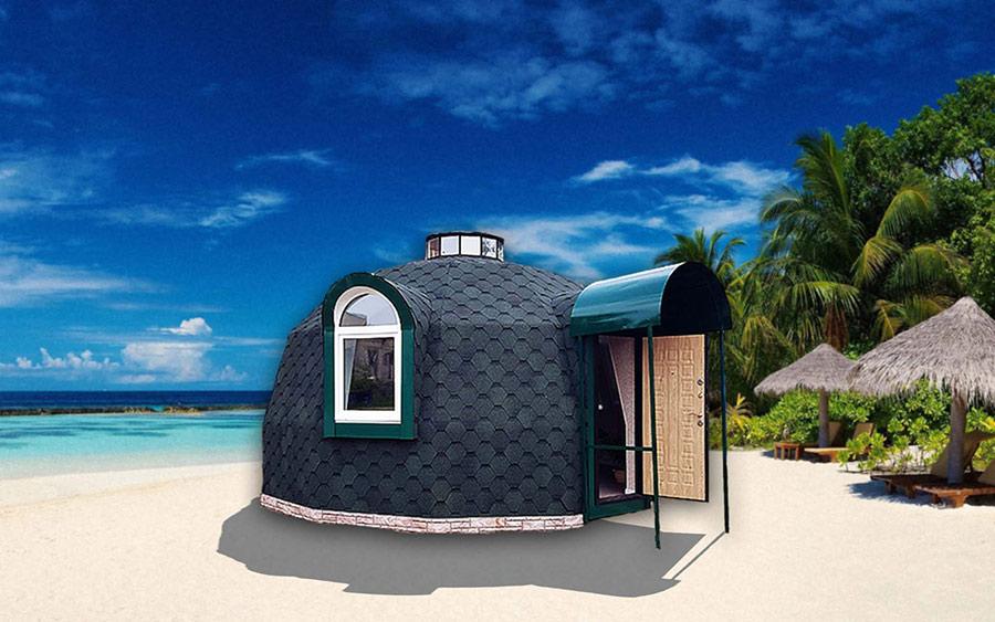 Купольный дом на берегу моря